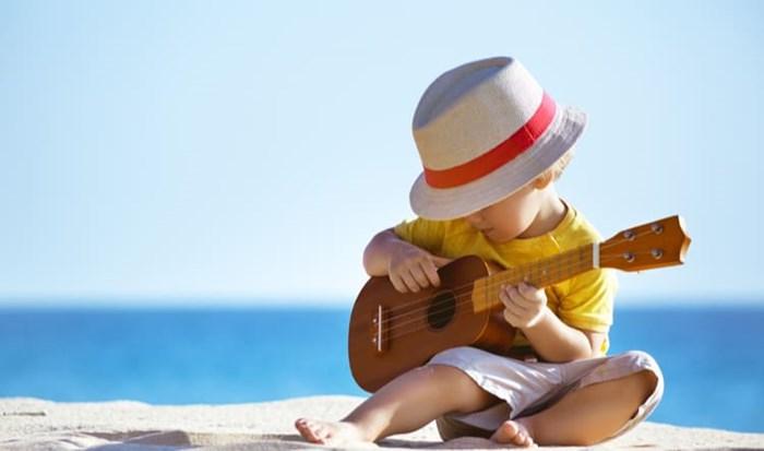 Kết quả hình ảnh cho trẻ nhỏ chơi âm nhạc